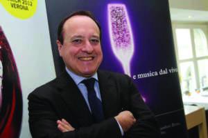Giovanni Mantovani, direttore di VeronaFiere, durante la presentazione alla stampa del Vinitaly 2012 oggi, 7 marzo 2012 a Milano. ANSA/ MATTEO BAZZI