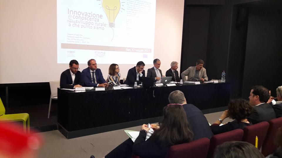 Un momento della tavola rotonda nel corso della giornata su innovazione nello sviluppo rurale organizzata a Bari.
