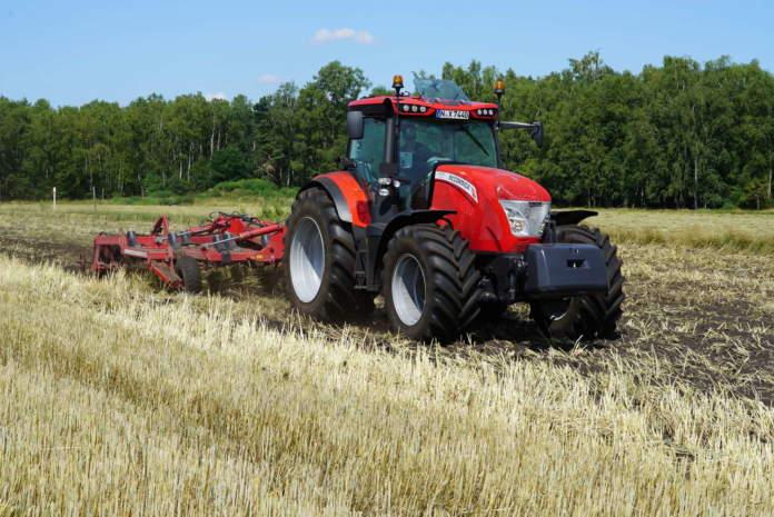 trattore agricolo mccormick