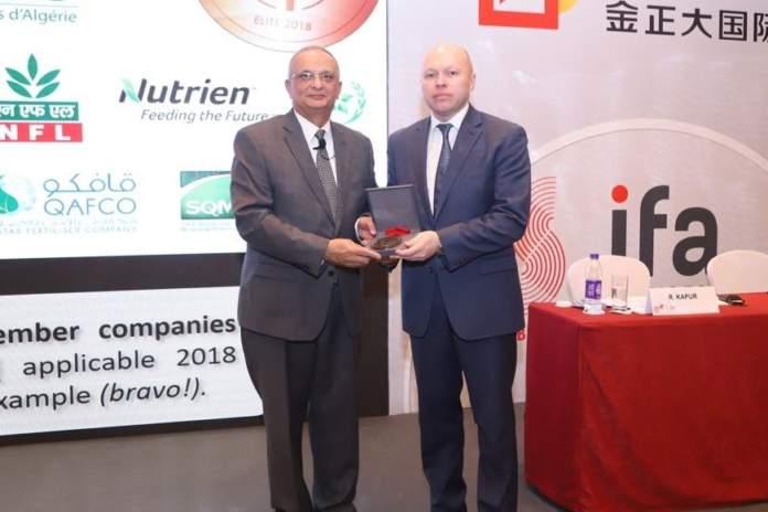 ifa premia con la medaglia d'oro eurochem