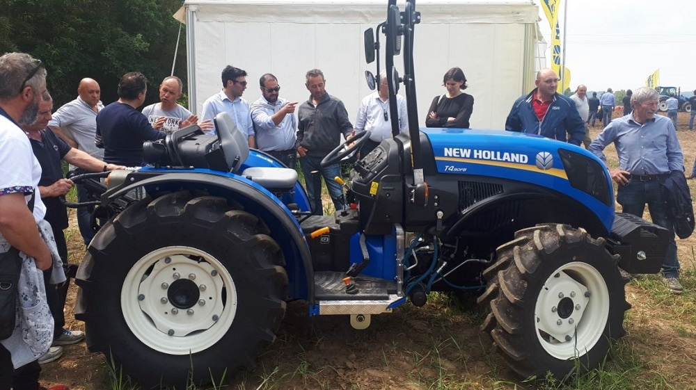 trattori new holland